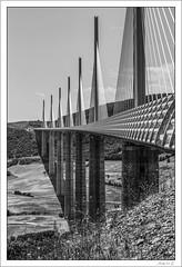 Viaduc de Millau (Francis =Photography=) Tags: viaduc viaduct pont bridge valley millau haubans tarn aveyron france canon 600d autoroute a75 norman foster 2001 2015 architecture structure infrastructure bordurephoto viaducdemillau europa europe midipyrénées extérieur bâtiment vallée