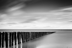on the beach (fhenkemeyer) Tags: schelde nordsee le longexposure langzeitbelichtung nl westkapelle onthebeach himmel wolken bw monochrome niksilverefexpro2