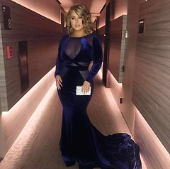 #Repost @chiquisoficial ・・・ 💙 A special thank you to the amazing @baotranchi for my gown. I'm feeling the BLUE, but I'm definitely NOT Blue.  #OneHappyGirl #HappyBee #LatinBillboards #LatinBillboards2017 #TeamChiquis27 (alyoz2006) Tags: instagramapp square squareformat iphoneography uploaded:by=instagram