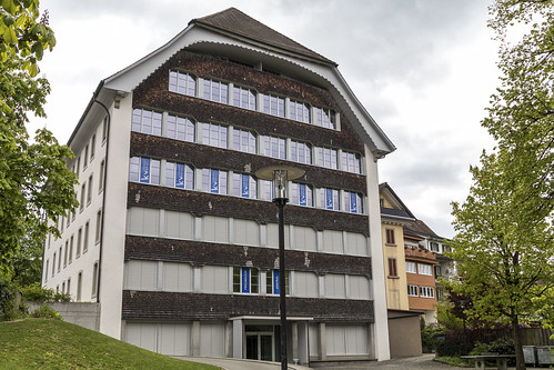 KV Lenzburg-Reinach Business School