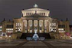 Konzerthaus Berlin (Traumfotos Trautmann) Tags: berlin canoneos100d fusion gendarmenmarkt hdr hdri konzerthaus nachtfotografie photomatixpro4 tonemapping nachts sigma12244556dghsmii