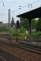 Signals, Bacharach (Forest Pines) Tags: railroad station train germany deutschland eisenbahn railway bahnhof deutschebahn bahn signal rheinland rhineland rheinlandpfalz bacharach signalling rhinelandpalatinate linkerheinstrecke