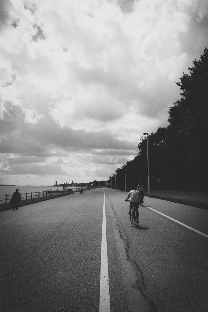 Promenade (B&W)