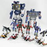 Transformers Soundwave Masterpiece - modo robot vs G1 vs casetes thumbnail