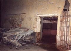 Cafeteria: Entrance to Serving Area (CityOfDave) Tags: nyc newyorkcity abandoned dorm urbanexploration dormitory rooseveltisland abandonedbuilding welfareisland centralnursesresidence