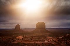 Monumental Backlight (m@yphotos) Tags: vacation arizona usa sun backlight nikon urlaub northamerica monumentvalley amerika sonne backlighting 2012 gegenlicht d90 nordamerika threebuttes mygearandme blinkagain oljatomonumentvalley urlaubusa2012 vacationusa2012