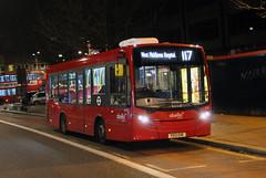 Route 117, Abellio London, 8118, YX13EHE (Jack Marian) Tags: bus london buses nightshot alexander dennis e200 hounslow staines enviro k1 8118 alexanderdennis route117 westmiddlesexhospital enviro200 alexanderdennisenviro200dart abelliolondon routek1 hounslowbusstation yx13ehe