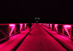Mysterious bridge (François Tomasi) Tags: pont bridge nuit night tours villedetours indreetloire touraine france europe pointdevue pointofview pov tomasi françois françoistomasi couleurs couleur colors color yahoo google flickr reflex nikon red rouge photo photography photographie perspective éclairage sombre dark architecture angle mars 2017 ngc