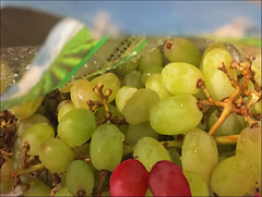 (Cliff Michaels) Tags: iphone6 iphone photoshop pse9 grapes kroger