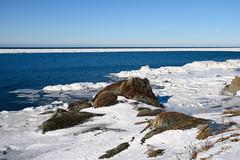 Fleuve St-Laurent, février 2016 à Rimouski (Gaetan L) Tags: baslaurent gaspésie rimouski nikond7000 route132 provincedequébec fleuvestlaurent hiver winter glass glace