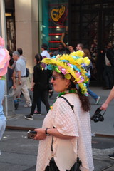 IMG_6760 (neatnessdotcom) Tags: easter bonnet parade 2017 hats costumes new york city 5th avenue manhattan nyc tamron 18270mm f3563 di ii vc pzd canon eos rebel t2i 550d