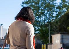 Rue 20_04_2017 (30 sur 34) (Jérôme Loche) Tags: photographie de rue life bordeaux france gironde vie noir et blanc couleur nb aquitaine personne inconnue femme homme jeune couché soliel bus passage piétons fleur rembarde barrière arbre pigeon moto velo poubelle déchets tramway rails nuit jour peintre envol route scooter pomme ruine portrait flou