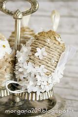 OvetteShabby_08w (Morgana209) Tags: ovetti uova decorazione shabby easter pasqua riciclo cartadapacco sacchettodelpane fiorellini perline fattoamano handmade diy creatività riciclocreativo recupero