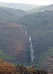 Waipo'o falls, Kauai, Hawaii (hannu & hannele) Tags: waipoo falls kauai waimea canyon hawaii beaitiful view scenery landscape mountains forest lush tropics tropical pacific island nikon d700
