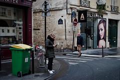 Dans la Rue du Dragon (Paolo Pizzimenti) Tags: rameaux ravenne regard paris poubelle couleur affiche paolo olympus penf omdem1mkii 25mm 75mm f18 film pellicule argentique doisneau