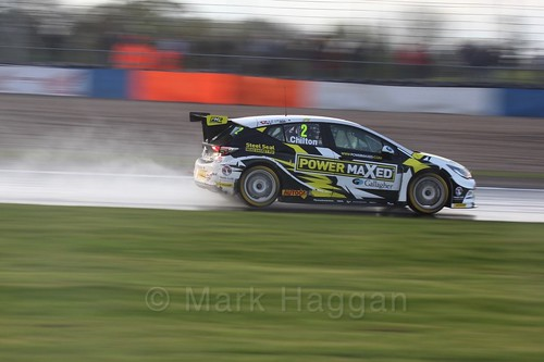 Tom Chilton in race three at the British Touring Car Championship 2017 at Donington Park