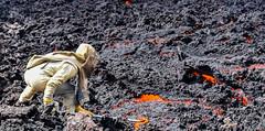 Prélevement de lave (ericrouget) Tags: drone réunion iledelaréunion photos inspire dji tourisme réunionisland ilotdrones cascade formation télépilote volcan volcano lave piton de la fournaise ovpf