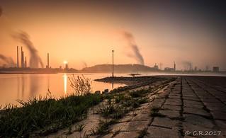 Sonnenaufgang am Rhein