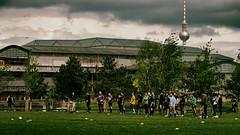 Sunday (.Dirk) Tags: berlin olympusep5 mzuiko7518 prime mft m43 street people soccer fusball mannschaft gleisdreieck park tvtower fernsehturm ubahn bvg männerkerlehunks
