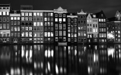 Amsterdam houses (fkorsen) Tags: fkorsen fynn korsen nikon d610 amsterdam niederlande dutch netherlands europe europa stadt city water wasser by night bei nacht houses häuser gebaüde buildings lights lichter