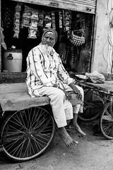 Jaipur, India 2017 (Lucio Frabotta) Tags: bw 35mm people persone rajasthan travel street streetphotography streetlife blancoynegro photography india oldman monochrome noiretblanc monocromo monocrome mono man jaipur nikon nikond810 blackandwhite biancoenero ngc