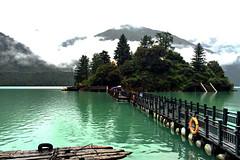 西藏巴松錯湖   Basum Tso Lake, Tibet (C. Alice) Tags: 川藏318之旅 中國 china 西藏 tibet 四川 sichuan 2015 clouds green summer travel asia lake water bridge iphone6 favorites50