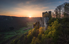 Guardian of the Valley (@hipydeus) Tags: castle ruin germany sunset burg ruine sonnenuntergang landscape