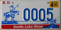 Devils Lake Sioux License Plate (Suko's License Plates) Tags: plaque native indian nation band plate tribal licenseplate license tribe placa patente targa sioux matricula kennzeichen targhe numbertag nummerschild nativeamericanindians plaqueimmatriculation triballicenseplates indiantribeslicenseplates devilslake