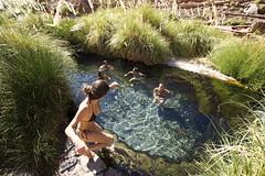 (Ande) Tags: friends water fun desert marathon oasis bikini atacama puritama