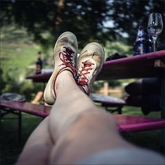 197-365 - relaxed (polomar) Tags: project relax 50mm shoes flickr legs wine sony 14 leg landwirtschaft vine 365 summilux asph projekt zeit mosel wein entspannung 197 kulturlandschaft flus metime weinkultur 197365 brtting polomar nex6 ichzeit