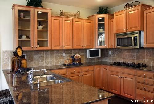 Cozinha moderna de madeira