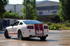 Shelby GT500 Smoke (jansolanellas) Tags: red white ford muscle stripes smoke smoking tires burning donuts shelby burnout mustang powerful tyres 2012 gt500 borla donnuts