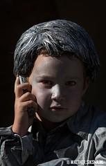 WS20130929_4865 (Walther Siksma) Tags: world holland festival kid phone arnhem statues livingstatue gelderland levendstandbeeld livingstatues 2013 wklivingstatues worldstatues worldstatuesfestival