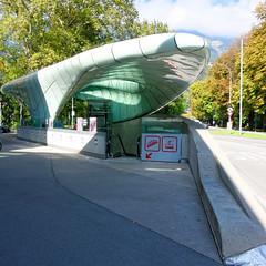Hungerburgbahn - Talstation (Oberau-Online) Tags: austria tirol sterreich sony bahnhof innsbruck compact talstation hungerburgbahn rx100 travellight sonyrx100