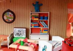 They even have a TV and (*blythe-berlin*) Tags: orange vintage göteborg toys furniture gothenburg 70s möbel byebye spielzeug dollhouse puppenhaus lundby cacodolls biegepuppen doll´shouse 70zigerjahre