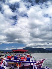 (Guilherme Dearo) Tags: ocean trip sea summer brazil sky praia beach nature rio brasil riodejaneiro paraty bay boat mar barco ship natureza céu viagem verão baía oceano