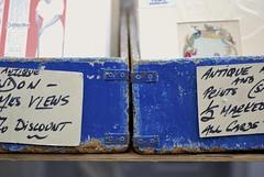 Portobelloblue (S. Hemiolia) Tags: uk blue england london market unitedkingdom blu portobello mercato antiquariato londra inghilterra mercatini antiquary anticaglie mercatinodellepulci