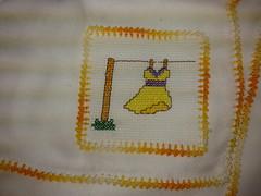 Fralda de Boca - Vestido Amarelo F020 (SaluArts) Tags: de pano cruz infantil bebê boca ponto paninho fralda fraldinha enxoval