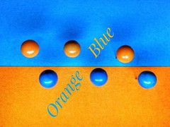 My other ideas for today Macro Mondays post. I posted the other one instead. (tomquah) Tags: closeup pins orangeandblue orange blue macro huaweisg huaweimate9
