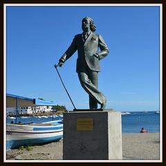 Statue de Dali à Cadaqués (RarOiseau) Tags: espagne catalogne cadaqués mer