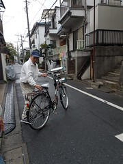 Tokyo Citizen Cyclists (Mikael Colville-Andersen) Tags: tokyo japan bike bicycle citizen cyclist cyclechic elderly