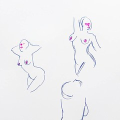 Today just a couple small nudes cause a little life drawing never kill nobody 😀✍️👯 One minute poses. #gesturedrawing #lifedrawing #markers #tombowdualbrushpens #model #woman #lady #sketch #dailysketch #artistsoninstagram #fineart #pose (Emanuele Pavarotti) Tags: instagram new york usa iphone4s