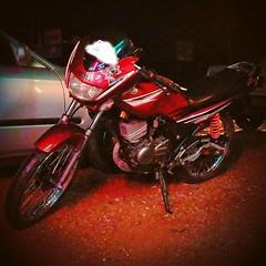 #yamaha #rxz #yamaharxz #6speed #red #malaysia #my (Noor Azmel) Tags: instagramapp square squareformat iphoneography uploaded:by=instagram skyline