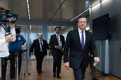 New €50 banknote event (European Central Bank) Tags: 04 2017 ecb ecbmainbuilding ezb frankfurtammain issuanceofthenew€50banknote mariodraghi thierrybrake new50 securityfeatures