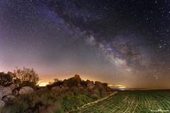 Vía láctea (www.jorgelazaro.es) Tags: nocturna cielo noche masdemelons naturaleza milky estrellas paisaje víaláctea rocas puigverddelleida catalunya españa es
