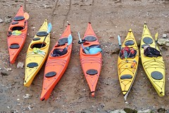 Day 91. Canoes. (Rob Emes) Tags: g7xii canon red yellow beach canoe water river thames 3652017 365 apr2017