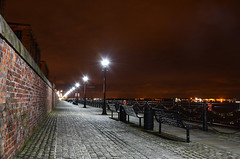Find a quiet place (Jonathan_Marsh) Tags: liverpool liverpoolatnight liverpoolcitycentre cityscape waterfront albertdock nikond7200 nighttime