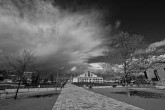 Storm's a Come'n (otterdrivernw) Tags: acros xf1024mm fujixt2 fujifilm storms seattlemohai lakeunionpark lakeunion