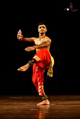 Parshwanath_5 (akila venkat) Tags: bharatanatyam parshwanathupadhye maledancer dancer art culture performance indiandance classicaldance bangalore sevasadan
