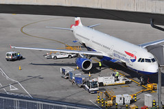Turnaround: 'SHT18V' (BA1314) LHR-EDI (A380spotter) Tags: turnaround apron forwardcargohold cargo freight container unitloaddevice uld ld3 ld346w akh44173ba akh49016baakh43388bascissorlift loadertransporter loader fmc el1202 airbus a321 200 gmedm toflytoserve emblem achievement crest coatofarms internationalconsolidatedairlinesgroupsa iag britishairwaysshuttle sht britishairways baw ba sht18v ba1314 lhredi stand501 501 gatea1 t5a terminal5 terminalfive london heathrow egll lhr